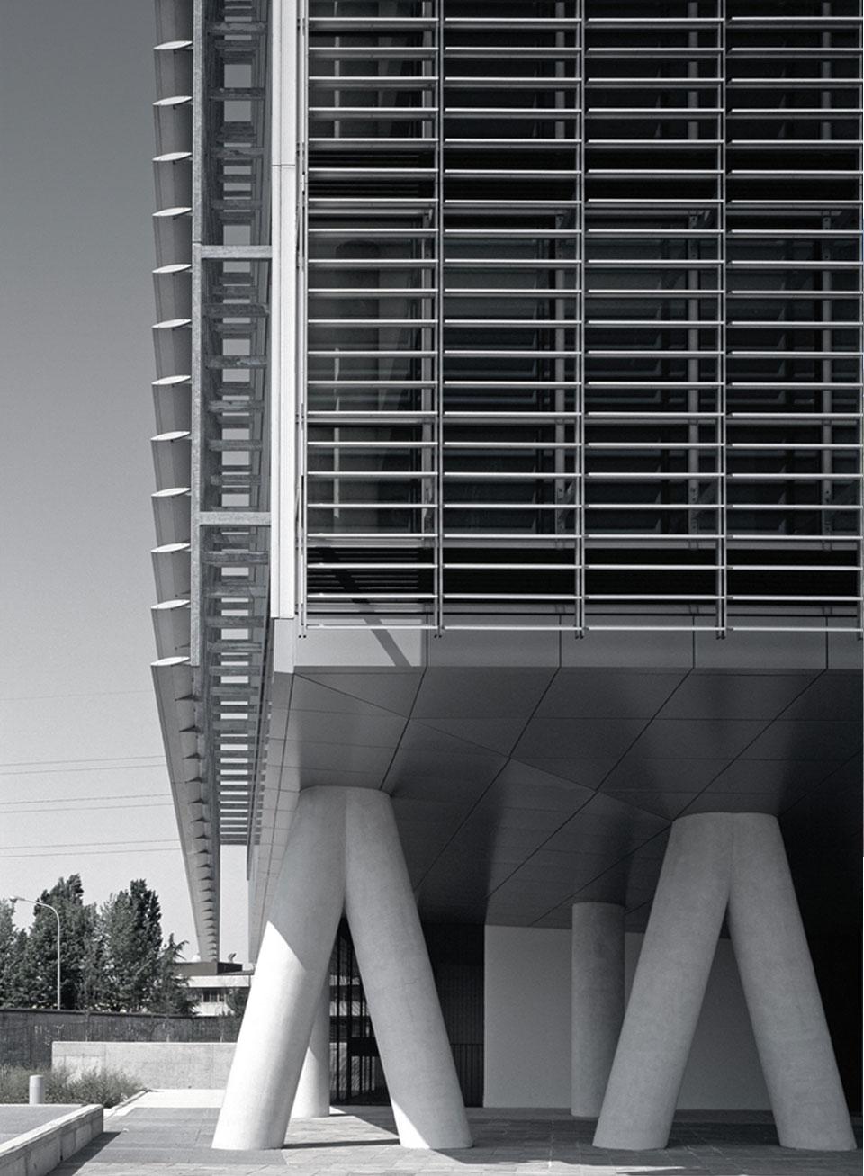 Inarsind_premio_architettura_2010_02-Boschi-Serboli---Edificio-direzionale-Torre-Oberdan_4