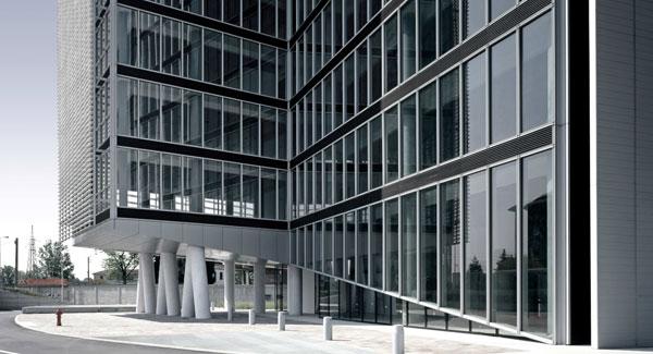 Inarsind_premio_architettura_2010_02-Boschi-Serboli---Edificio-direzionale-Torre-Oberdan_thumb